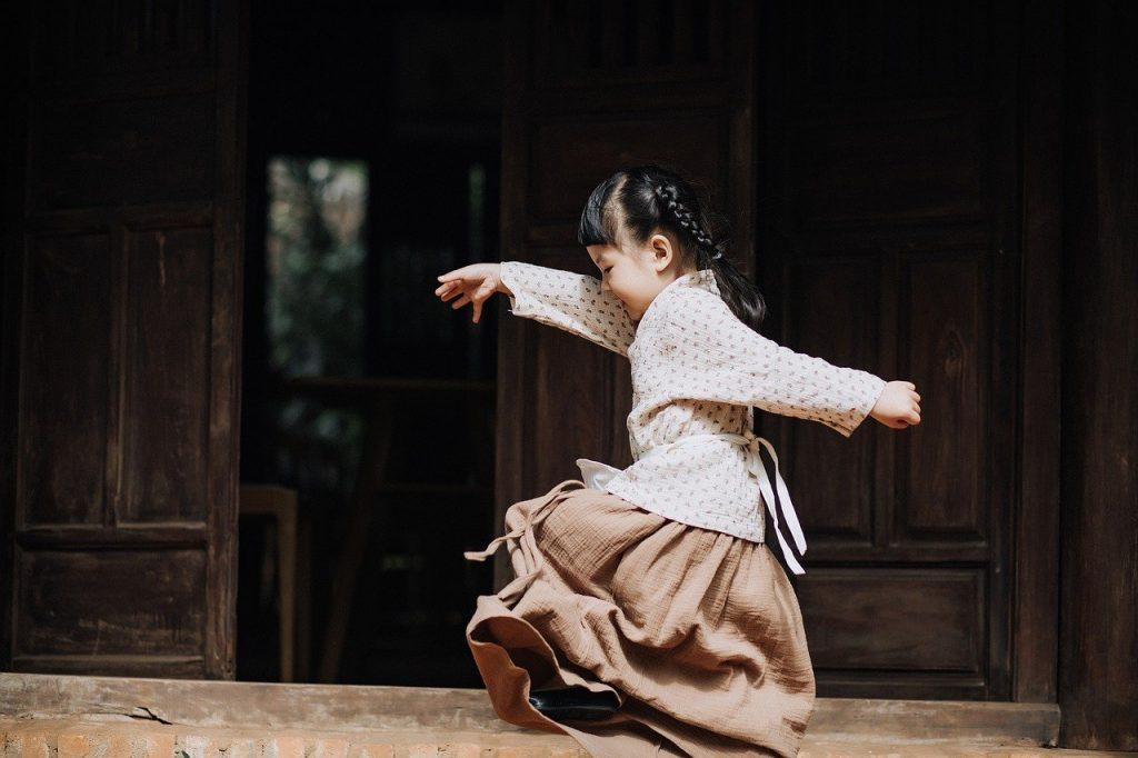 kid, girl, playing-6565461.jpg